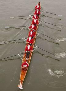 Santas Rowing